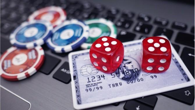 """L'ANJ, l'Autorité nationale des jeux compétente sur tous les segments du marché des jeux d'argent et de hasard, est opérationnelle depuis ce mardi 23 juin. Pour sa présidente Isabelle Falque-Pierrotin, elle ne doit pas être considérée comme le simple élargissement de l'Arjel, qui disparaît, mais comme un """"projet nouveau qui nécessite de repenser la régulation. """""""