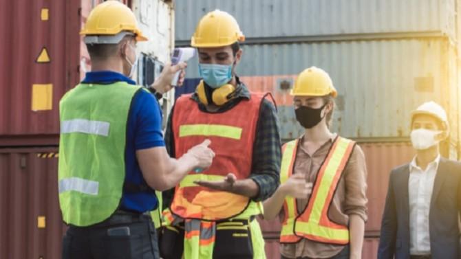Les mesures de soutien au secteur du bâtiment et des travaux publics, présentées le 10 juin par Bercy, ne convainquent pas les professionnels. Le gouvernement promet qu'il ira plus loin et pour cela présentera à la rentrée un plan de relance global, après concertations.