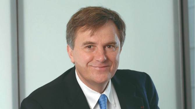 La filière bancaire du groupe La Poste annonce le départ de son président du directoire, Rémy Weber. Une séparation liée à des désaccords sur la gouvernance de CNP Assurances.