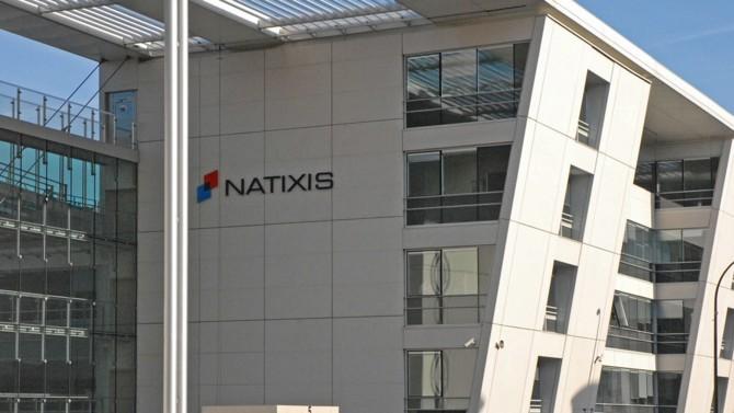 """La banque d'investissement Natixis annonce la démission de son directeur général, François Riahi, pour """"divergences stratégiques"""". Il sera remplacé par Nicolas Namias."""
