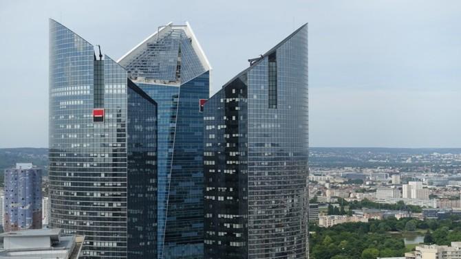 L'équipe, à la tête du groupe bancaire Société Générale, se renouvelle avec le départ de deux de ses directeurs généraux délégués et avec la création de nouveaux postes aux côtés du PDG Frédéric Oudéa.