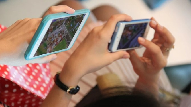 Tencent, le géant chinois des réseaux sociaux et des jeux en ligne, a acquis une participation minoritaire dans Voodoo, l'éditeur français de jeux vidéo mobiles, permettant une valorisation d'1,4 milliard de dollars.