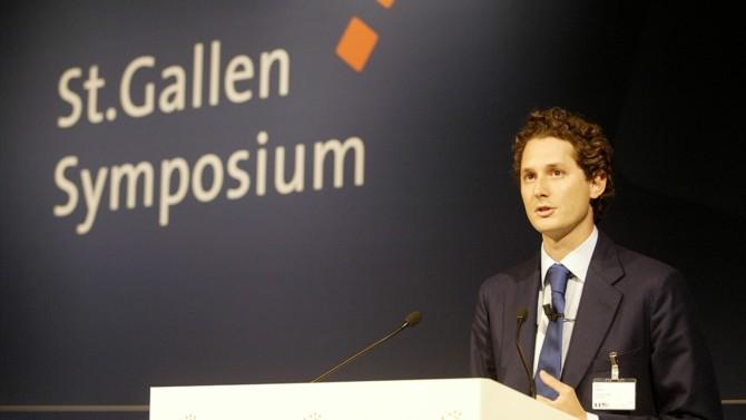 John Jacob Philip Elkann a rejoint le conseil d'administration du groupe Fiat en 1997 alors qu'il n'avait que 22 ans.