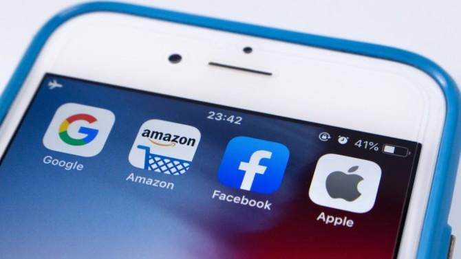 La santé économique de Google, Amazon, Facebook et Apple est plus forte que jamais. Une situation qui contraste tellement avec le reste de l'économie qu'elle interpelle les pouvoirs publics.