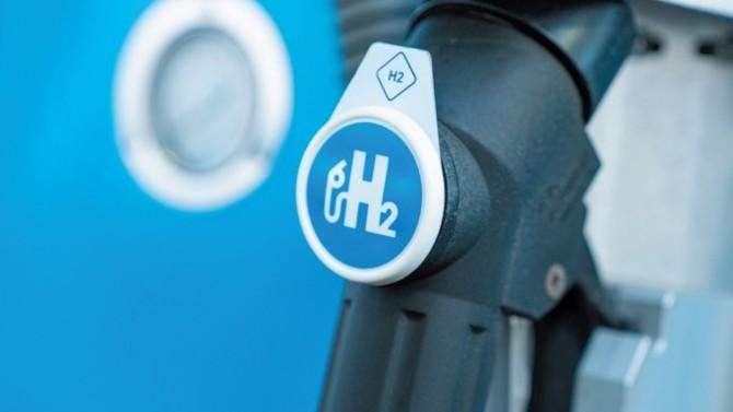 Le gouvernement a présenté sa stratégie hydrogène. 7 milliards seront ainsi conascrés à la décarbonation de l'industrie, la production d'hydrogène par électrolyse, la mobilité professionnelle, et le soutien à la R&D et à la formation.