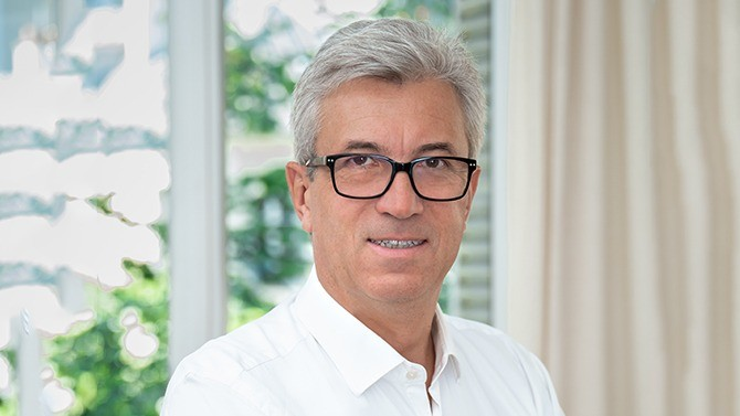 En tant qu'Associé de l'agence de management de transition Maestrium, Philippe Berton côtoie autant de situations de crise que d'enjeux de croissance des entreprises. Face aux conséquences brutales de la crise sanitaire, il préconise l'action et la communication.