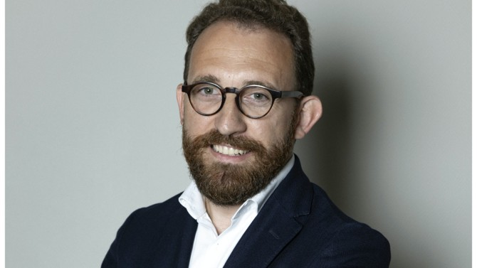 La start-up spécialiste de la mise en conformité au RGPD Data Legal Drive prouve son attachement au droit en créant un poste de directeur juridique, de la conformité et des affaires publiques confié à un ancien de Lexis Nexis : Grégoire Hanquier.