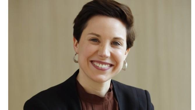 Après dix années d'expérience chez Bull puis chez Atos, Laurianne Le Chalony rejoint l'éditeur de logiciels Linedata en 2017. Sa mission : insuffler un vent d'innovation dans la transformation digitale du groupe. Explications.