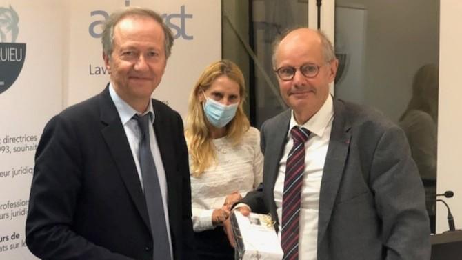 Le prix du Cercle Montesquieu 2020 a été remis le 24 septembre dernier à l'ouvrage Blockchain et actifs numériques rédigé par le professeur Dominique Legeais, aux éditions Lexis Nexis.