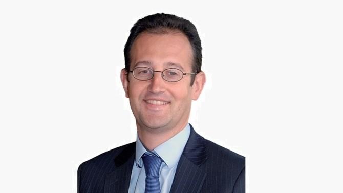 Le directeur financier de PSA, Philippe de Rovira, détaille la stratégie du groupe qui a su résister à la crise. Il revient également sur le projet de fusion avec FCA Automobiles.