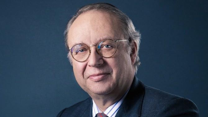 Le président de la société d'investissement familiale FFP a passé une grande partie de sa carrière au sein des marques Peugeot et Citroën. Cet ingénieur de formation gère désormais les participations de la famille dans différentes entreprises dont PSA, qu'il accompagne dans son projet de rapprochement avec FCA.