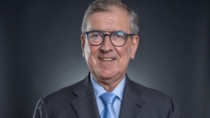 L'ancien managing partner d'Holman Fenwick à Paris et spécialiste du corporate finance Robert Follie choisit Ravet & Associés pour poursuivre sa carrière en qualité de senior advisor.