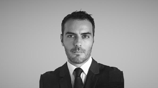 Premier vice-procureur du Parquet national financier depuis 2015, Éric Russo quitte la magistrature. Il devient avocat chez Quinn Emanuel Urquhart & Sullivan, cabinet d'affaires spécialisé en arbitrage international.