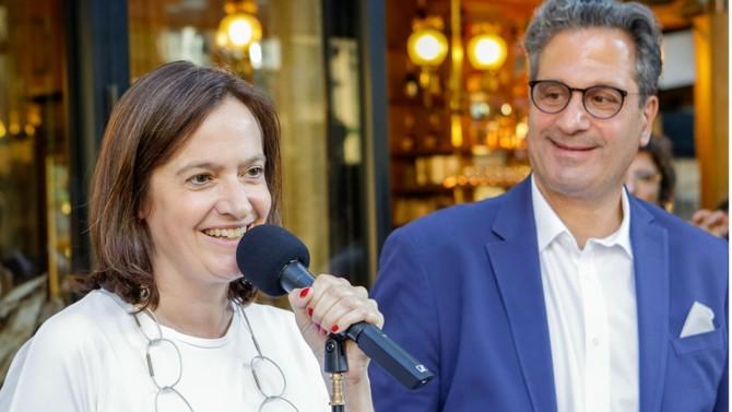C'est un duo formé par une civiliste et un pénaliste qui se présente devant les avocats parisiens. Julie Couturier est avocate depuis 1995. Elle exerce dans le cabinet qu'elle a fondé en mars 2107, entourée de trois collaborateurs. Précédemment associé de l'ancien bâtonnier Pierre-Olivier Sur, elle préside l'association Droit et procédure entre 2013 et 2015. Vice-présidente de l'Union des jeunes avocats entre 2002 et 2003, elle a été élue au conseil de l'ordre en 2009 et en a été son secrétaire en 2011. Son binôme est ancien premier secrétaire de la conférence (promotion 1984). Au pénal, il défend aussi bien les particuliers que les entreprises et les institutions financières. Depuis 2010, Vincent Nioré exerce dans son propre cabinet. Élu au conseil de l'ordre en 2008, il se bat pour la protection du secret professionnel en occupant depuis plusieurs mandatures le poste de délégué du bâtonnier de Paris aux contestations des perquisitions chez l'avocat.