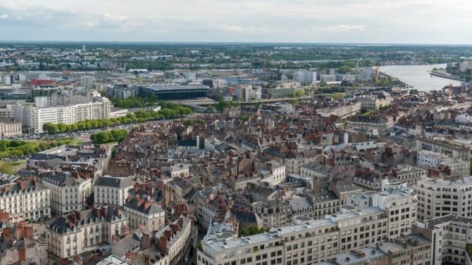 """L'Insee* publie son """"Insee Focus"""", une étude qui révèle le nouveau zonage en aires d'attraction des villes. Fournissant des données précieuses sur la répartition de la population ainsi que sur son évolution, ce document met en perspective les dynamiques territoriales. Analyse en profondeur."""