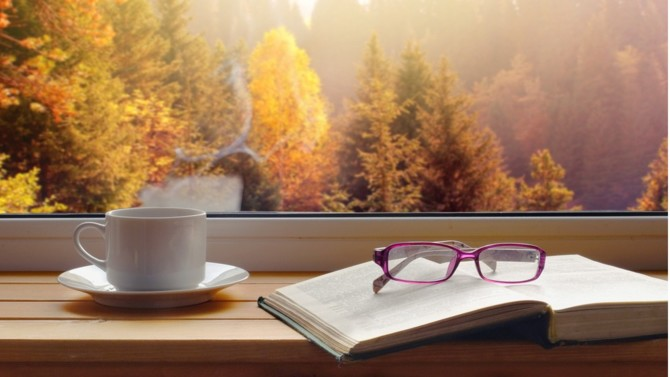 Automne et confinement. Voici un contexte idéal pour lire davantage. Voici quelques ouvrages qui permettent de passer un bon moment. N'oubliez pas qu'il est toujours possible de passer par les librairies grâce aux réservations téléphoniques ou en ligne.
