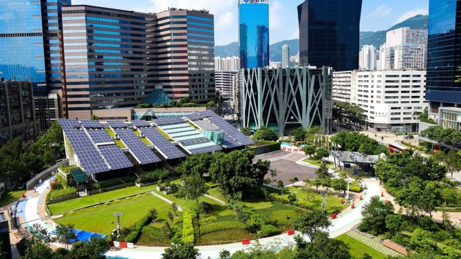 Catastrophes naturelles, blackouts et des centaines de millions de personnes n'ayant pas accès à l'électricité mettent en exergue les failles des réseaux électriques actuels. Des micro-réseaux intelligents se placent comme alternative, ou comme complément au réseau électrique centralisé, en sécurisant l'accès à l'énergie : les microgrids.