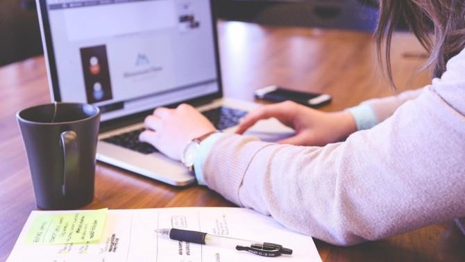 """L'éditeur de logiciel Harvest et le spécialiste en formation Fidroit annoncent leur intention de se rapprocher en créant un groupe commun. Une initiative qui permettrait de """"réunir l'approche servicielle et les enjeux technologiques"""" au bénéfice de leurs clients communs CGP."""