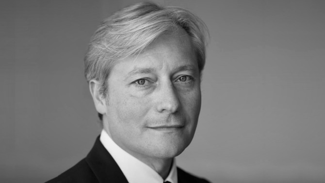 L'homme politique Laurent Hénart retrouve la pratique du droit en intégrant MB2A en qualité d'associé. Il interviendra principalement en matière de droit public.