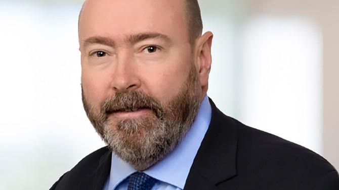 Associé fondateur du bureau français de Signature Litigation, Thomas Rouhette est un spécialiste du contentieux des affaires qui figure parmi les 30 avocates et avocats formant l'Élite 2020.