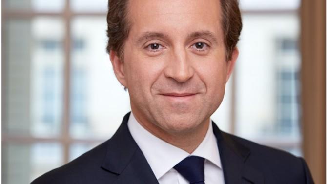 Associé chez Darrois Villey Maillot Brochier, Bertrand Cardi est un spécialiste du corporate/M&A qui figure parmi les 30 avocates et avocats formant l'Élite 2020.