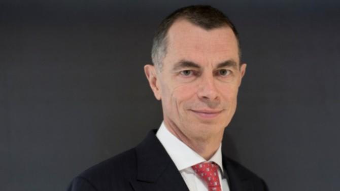 Après quatre ans passés à la tête de la banque italienne UniCredit, qu'il a redressé d'une main de maître, le français Jean-Pierre Mustier met fin à ses fonctions, qu'il quittera en avril prochain.