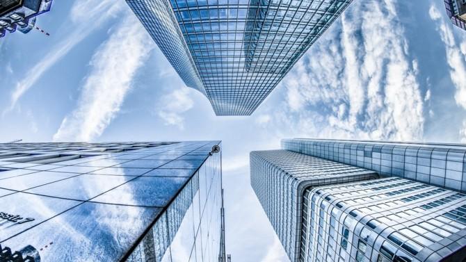 Les fédérations du commerce qui dénoncent la décision de reporter les soldes, Pierre Ducret qui succède à Gilbert Emont à la direction de l'Institut Palladio… Décideurs vous propose une synthèse des actualités immobilières et urbaines du 4 décembre 2020.