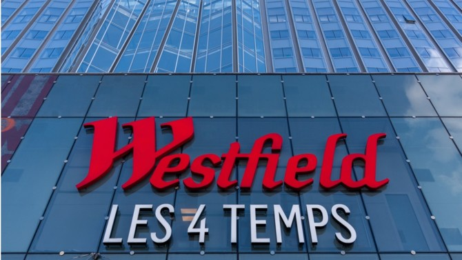 Entre la cession de cinq centres commerciaux français grâce à un montage astucieux et celle en cours du nouveau siège social de Nestlé en France, Unibail-Rodamco-Westfield a animé un marché de l'investissement hexagonal en immobilier d'entreprise ralenti par la crise sanitaire. Analyse des opérations 2020 d'un acteur dont la gouvernance vient d'évoluer en profondeur.