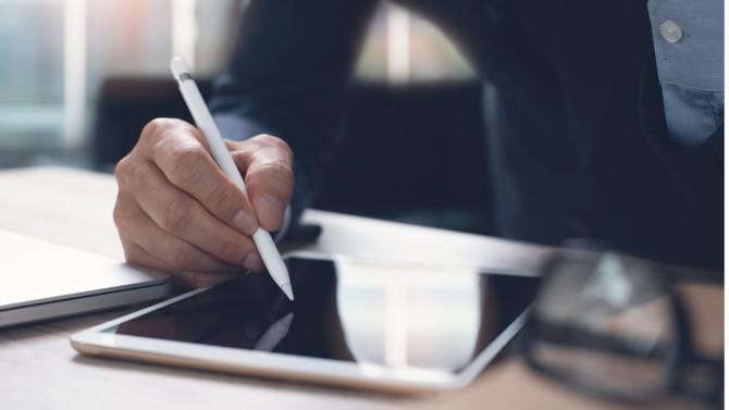 DocuSign vient d'annoncer une importante augmentation de son chiffre d'affaires trimestriel. Cette croissance exceptionnelle fait écho aux besoins exprimés du fait de la crise sanitaire en matière de e-signature mais confirme également l'engouement des professionnels du droit pour le recours à ce type de technologies.