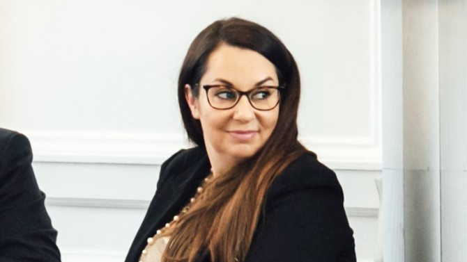 Dans le petit monde des chasseurs d'avocats, Mélanie Tremblay fait des étincelles. C'est elle qui, depuis Londres, réalise certains des mouvements d'associés et d'équipes les plus importants. Celle qui affiche fièrement ses origines québécoises cultive autant sa singularité qu'elle détecte celle des autres.