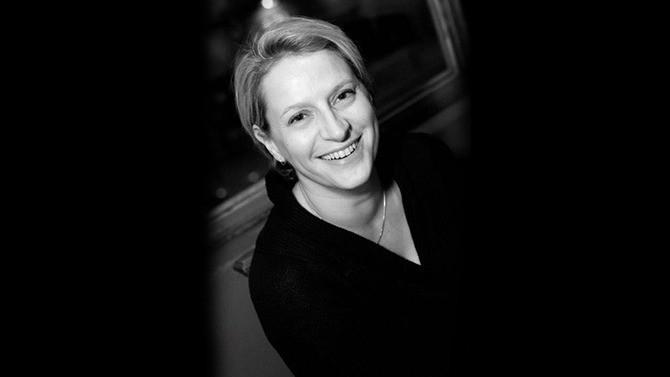 """Directrice juridique de Splunk, Amélie de Braux figure parmi les personnalités incontournables du droit à retrouver dans notre dossier """"Contentieux & Arbitrage 2020-2021""""."""