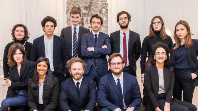 Il n'aura fallu que quelques mois à Antoine Vey pour réorganiser le cabinet d'avocats qu'il tenait avec Éric Dupond-Moretti. Depuis la nomination du pénaliste à la Chancellerie, Vey & Associés poursuit le renforcement de son positionnement sur le droit pénal des affaires et international.