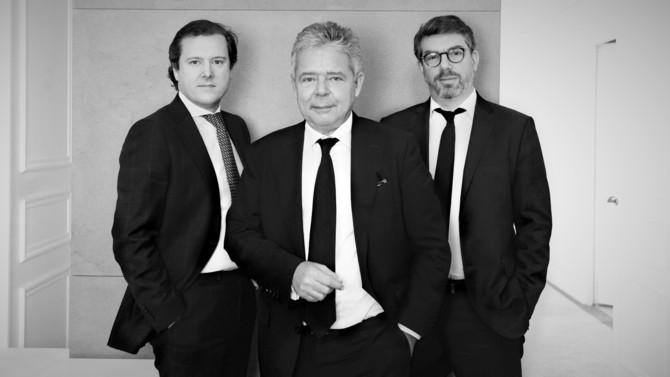 Première cooptation pour le cabinet spécialiste de la défense pénale et du contentieux des affaires Bougartchev Moyne Associés: Geoffroy Goubin est promu aux côtés des deux fondateurs Kiril Bougartchev et Emmanuel Moyne.