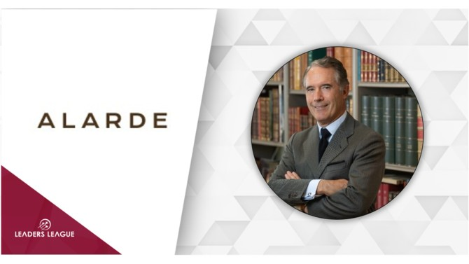 Iñigo Gómez-Jordana, current senior partner of the British firm in Spain has left the firm to launch his own Madrid-based boutique firm Alarde Abogados.
