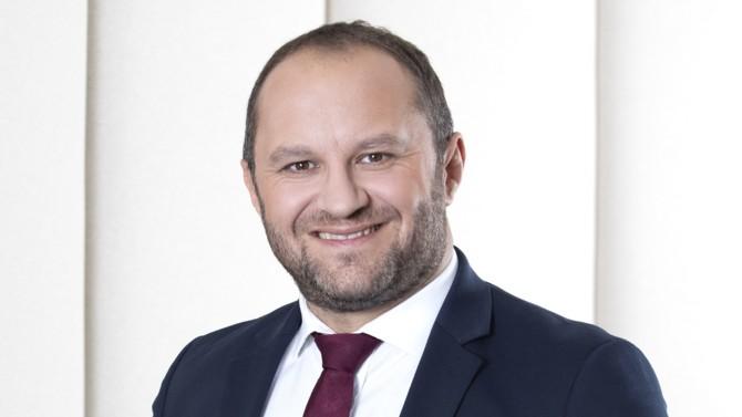 Le Luxembourg est le premier centre d'assurance-vie en Europe. Parmi ses acteurs, OneLife y a son siège depuis 30 ans, et est membre du Groupe APICIL depuis 2019. Romain Chevalier, chief commercial officer (CCO) de OneLife revient sur ses spécificités.