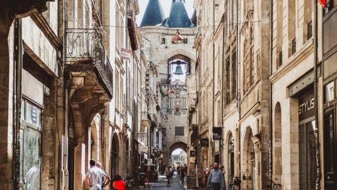 Cushman & Wakefield qui va déménager son siège français au 185 avenue Charles de Gaulle à Neuilly-sur-Seine, Amundi Immobilier qui acquiert la future plateforme logistique de Maisons du Monde à Heudebouville, Opale et Amundi qui s'allient pour créer la plateforme « Opale Vesontio »… Décideurs vous propose une synthèse des actualités immobilières et urbaines du 17 février 2021.