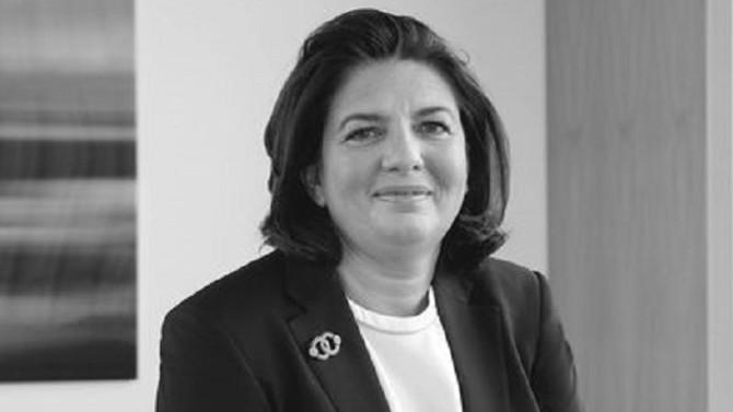 Dix ans après sa création en 2010, une page se tourne pour Amundi. Yves Perrier, jusqu'alors directeur général du gérant d'actifs, cède sa place à Valérie Baudson.