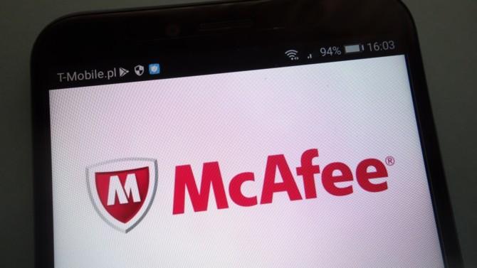Fondée en 1987 à San Jose, McAfee enregistrait en 2020 un chiffre d'affaires de 2,9 milliards de dollars, en hausse de 10 % sur un an. L'éditeur de logiciels, connu notamment pour ses solutions en matière de cybersécurité, met en place en interne un climat propice à l'innovation. Fabien Rech, Vice President Emea major accounts de McAfee, nous parle de cette capacité d'adaptation perpétuelle.