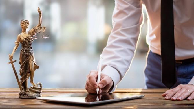 Le rapport de la mission justice économique commandé par la Chancellerie vient d'être rendu et prévoit plusieurs recommandations. Le but : mieux informer et mieux accompagner les chefs d'entreprise sur les dispositifs de prévention et de traitement de leurs difficultés dans le contexte de la crise sanitaire.