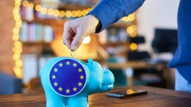 La Commission européenne suggère mercredi 3 mars de maintenir la suspension des règles budgétaires imposées aux États membres. Auront-elles vocation à revenir un jour ? Le débat est ouvert.
