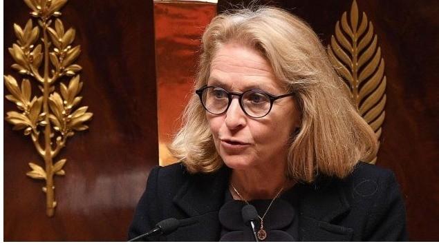 Élue présidente de l'Arcep, le régulateur des télécoms, pour les cinq prochaines années, Laure de La Raudière prend officiellement ses fonctions. Depuis la création de l'Arcep, en 1997, l'ex-députée d'Eure-et-Loir devient la première femme à occuper ce poste.
