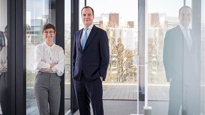 Thomas Lenné et sa collaboratrice Florence Gypens intègrent le bureau bruxellois du cabinet d'avocats présent au Benelux.