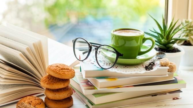 Avril, ses premiers rayons. Et les premiers ponts qui offrent du temps pour lire. BD, romans, essais, la rédaction vous présente ses coup de cœur.