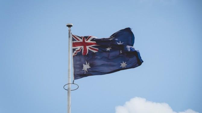 En marge des négociations avec Veolia, Suez annonce la cession de ses actifs en Australie pour 2,5 milliards de dollars australiens. Contrarié, Veolia contre-attaque.