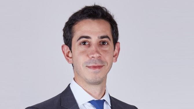 Samuel Couvreur prend en charge la gestion des services publics depuis le bureau de Lyon du cabinet fondé par Didier Seban.