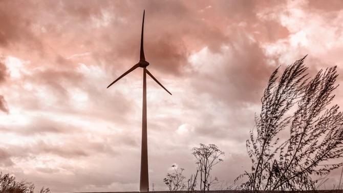Selon Amundi et IFC, la dette verte des pays émergents pourrait atteindre 100 milliards de dollars d'ici à 2023. Les opportunités d'investissement dans ces marchés pourraient générer plus de 10 000 milliards de dollars d'ici à 2030 et créer plus de 200 millions d'emplois dans les secteurs verts.