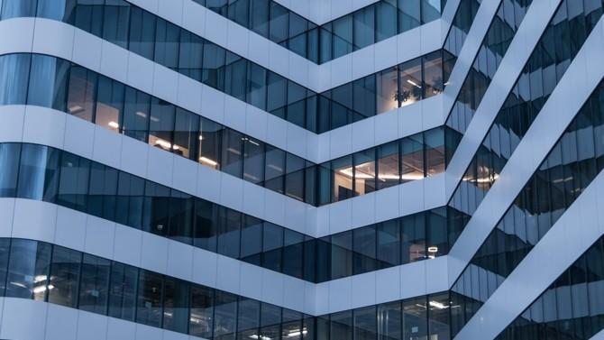 """HemisphereetBainCapitalCreditacquièrent un projet de bureauxà Bagneuxauprès deCoffim, le Groupe GDG pré-loue l'intégralité de son immeuble """"H2B"""" à l'EM Normandie, Gecina etWoodeumsignent un partenariat pour développer 1 000 logements en structure Bois et Bas Carbone en France... Décideurs vous propose une synthèse des actualités immobilières et urbaines du 7 mai 2021."""