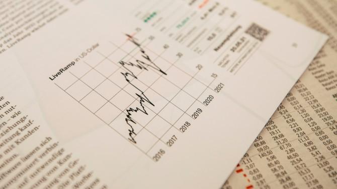 Entre l'augmentation durable des prix à la consommation aux États-Unis et la hausse constante des rendements obligataires européens, les signes ne trompent pas : l'inflation est à la porte. Faut-il craindre une hausse généralisée du niveau des prix ?