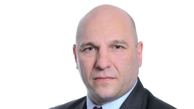 En mai dernier, Jean-Pierre Mesic a pris la succession de Hugues de Laage à la direction des ventes B2B du groupe Stellantis en France. Alors que Peugeot domine ce marché, celui-ci va devoir piloter la gestion de l'ensemble des marques qui composent désormais ce nouveau groupe.