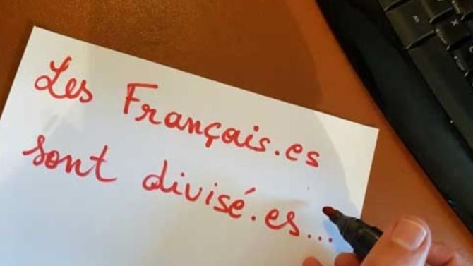 """L'utilisation de l'écriture inclusive devient peu à peu une ligne de démarcation entre un autoproclamé """"camp du bien"""" ultra-minoritaire et le reste de la population. Cette déformation de la langue française, sous couvert de lutte contre les discriminations, exclut et renforce les inégalités."""